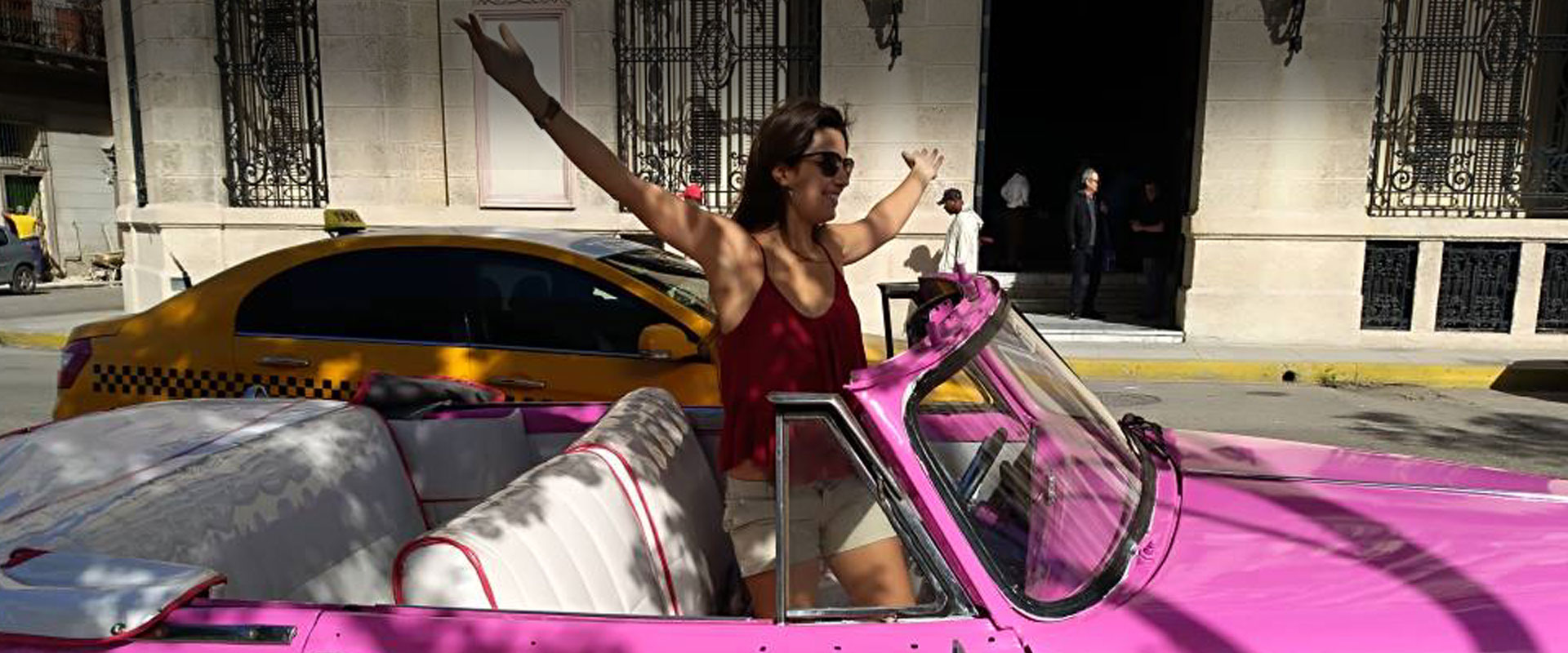 Trought Havana with Flamingo Havana Taxi